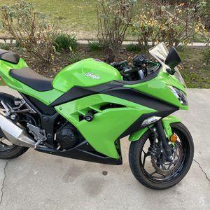 2015 Kawasaki Ninja ex300 for Sale in Madera, CA