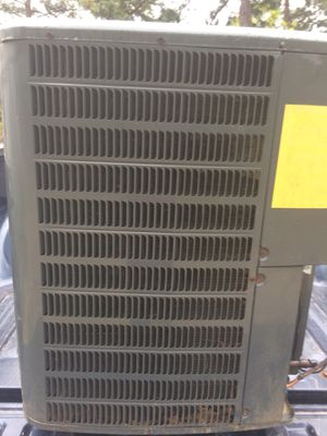 2. 1/2 tons condenser unit Freon R22 for Sale in Cameron, NC