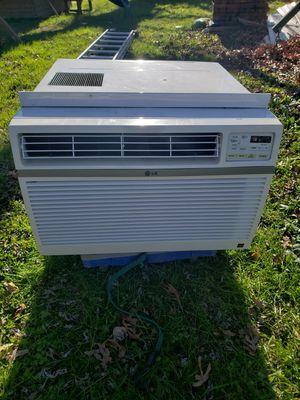 LG 18,000 btu Window AC Unit for Sale in Fort Washington, MD