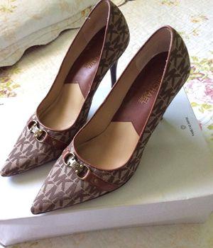 Michael Kors & white high heels for Sale in Sanger, CA