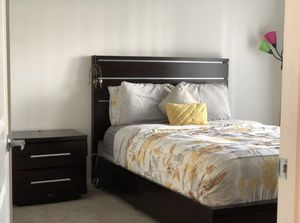 PRICE DROP! Queen Bed Set for Sale in West Palm Beach, FL