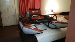 8' inflatable pontoon boat Cimarron for Sale in Chandler, AZ
