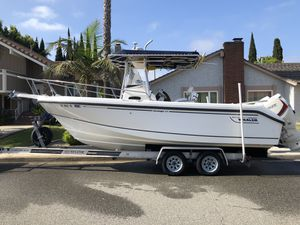 Boston Whaler 23 Outrage Year: 1999 23 feet for Sale in Huntington Beach, CA