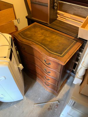 Night stand for Sale in Gainesville, VA