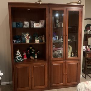 Thomasville Hutch (3 pieces) for Sale in Brookfield, CT