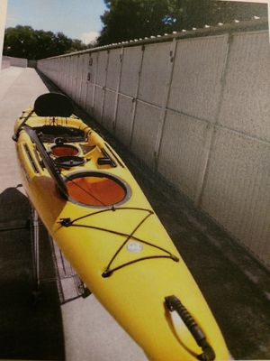 Kayak, like new Wilderness Systems-Tarpon140-14foot for Sale in Fresno, CA