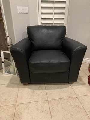 Free Leather Chair for Sale in San Diego, CA