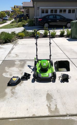 Greenworks Pro 60V electric mower for Sale in Brentwood, CA
