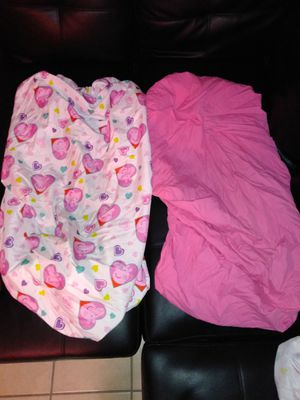 Two toddler bed sheets $5 for Sale in Colton, CA