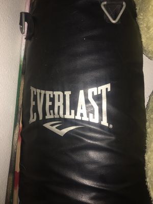 Everlast punching bag for Sale in San Dimas, CA