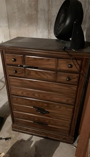 FREE Dresser for Sale in Bartlett, IL