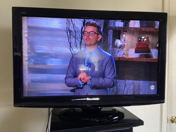 """Panasonic 32"""" Flat Screen TV"""