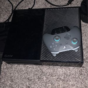Xbox One, Controller, Power cord, HDMI cable, headphone jack for Sale in New Palestine, IN