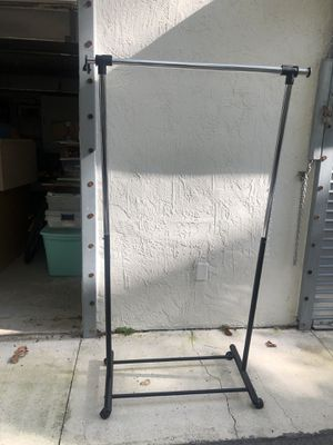 Adjustable Clothing rack for Sale in North Miami, FL