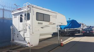 2006 Lance 951 Truck Camper with slide for Sale in San Diego, CA
