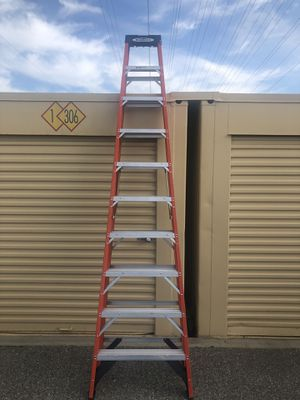10 ft Ladder for Sale in Lawndale, CA