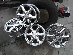 Cadillac rines 15' for Sale in Bell Gardens, CA