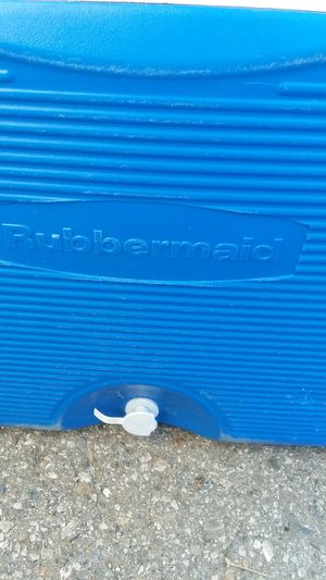 🏖 Rubbermaid Ice Chest 🏖🏝 for Sale in Ontario, CA