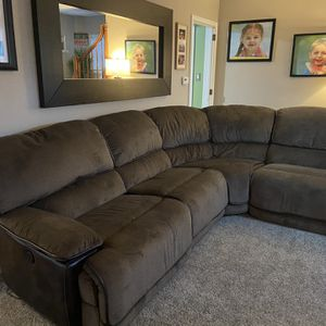 Power Reclining Sectional for Sale in Greensburg, PA