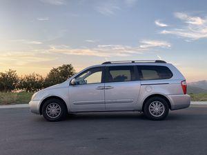 2008 Kia Sedona Minivan for Sale in Laguna Beach, CA