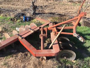 Massey Ferguson adjustable three point tractor disc plows for Sale in Reedley, CA