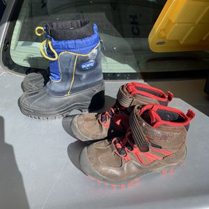Brown Hiking Boots Size 2 Youth for Sale in Chandler, AZ