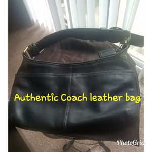 Authentic COACH Leather Bag for Sale in Detroit, MI