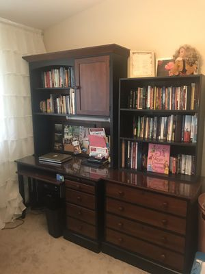 Office desk with hutch for Sale in Des Plaines, IL
