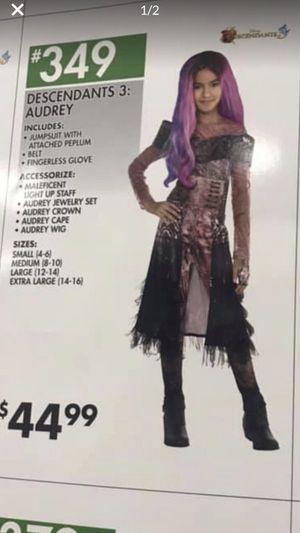 Descendants three costume size small for Sale in Columbus, OH