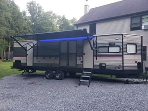 Cherokee forest river 2017 274vfk for Sale in Cogan Station, PA