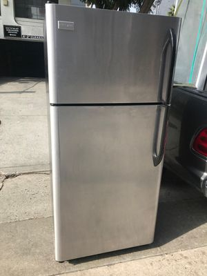 $275 Frigidaire stainless 18 cubic fridge includes delivery in the San Fernando Valley a warranty and installation for Sale in Los Angeles, CA