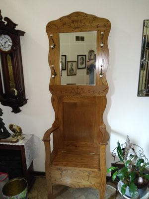 Amish made Entry way chair coat rack for Sale in Columbus, OH