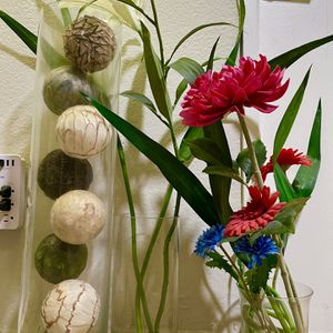 Imitation Flowers And Decorations With Vases for Sale in Los Angeles, CA