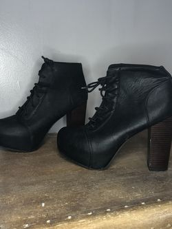 Heeled Boots Size 8 for Sale in Boston,  MA