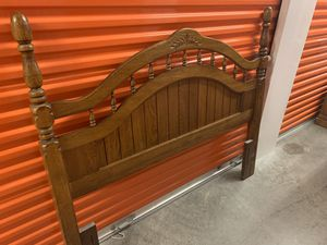 4 Piece Oak Queen Bedroom Set for Sale in Ballwin, MO