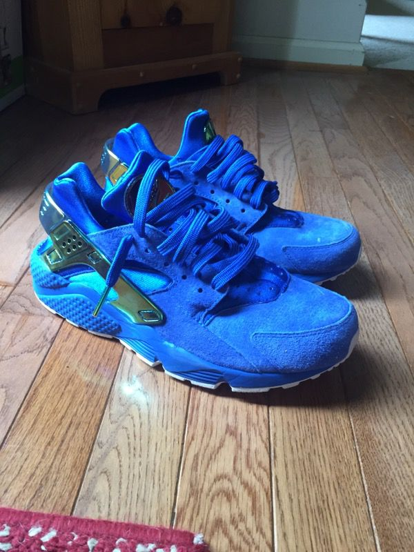 9fae1bd0538f Nike x Nipsey hussle huaraches SIZE 9 for Sale in Landenberg