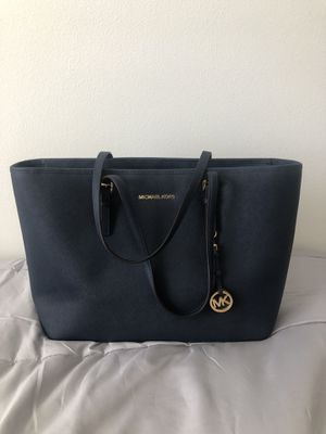 Michael Kors Jet Set Saffiano Leather Totebag for Sale in Chino Hills, CA