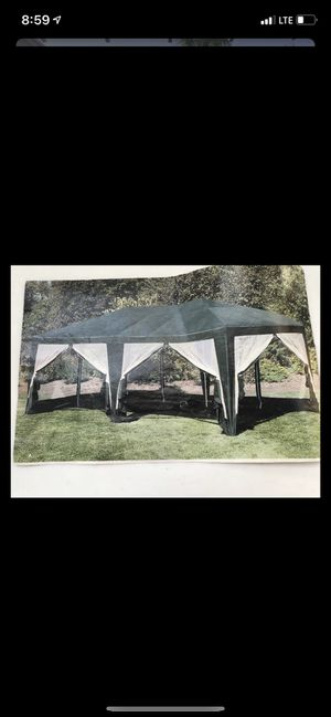 Canopy with screens that zip up for Sale in San Diego, CA