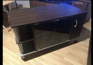 Tv stand brown for Sale in Orlando, FL