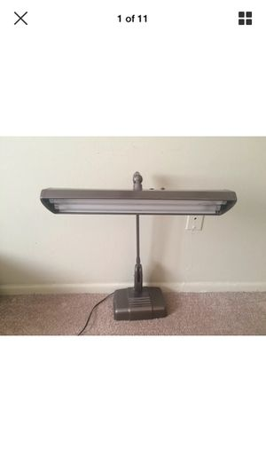 Vintage top desk lamp for Sale in Tampa, FL