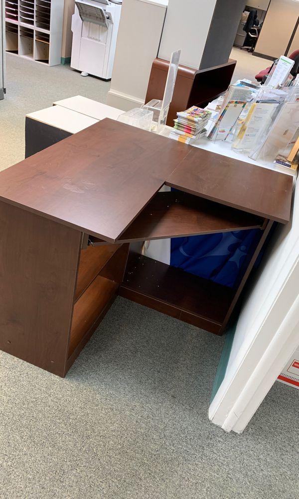 "Corner desk- 35x35"". Great for small areas"