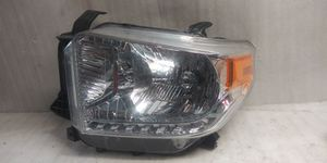 2014 2017 Toyota Tundra headlight for Sale in Lynwood, CA