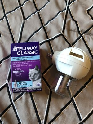 Feliway Defuser and 30 day refill for Sale in Kennewick, WA
