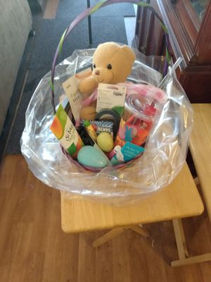 I 4 different wemans brand new Easter baskets with make up chocolate candy and wemans supplies for 25 each for Sale in Oak Glen, CA