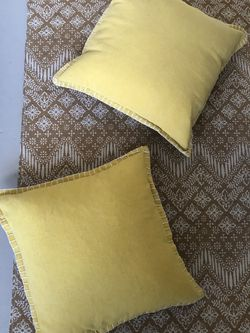 Oversized Couch/bed Pillows for Sale in Atlanta,  GA