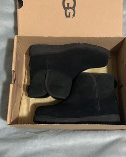 ugg boots size 13 kids for Sale in College Park,  GA