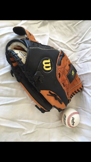 Baseball glove. Unused. for Sale in Los Angeles, CA