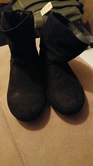 Girls black boots for Sale in Cincinnati, OH