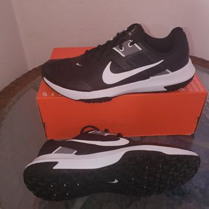 NIKE VARSITY COMPETE MEN SHOES NEW for Sale in Orange, CA