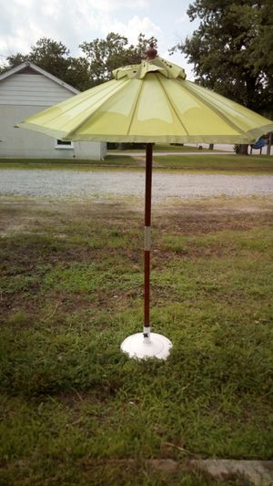 Kid's Umbrella with Base for Sale in Farmville, VA